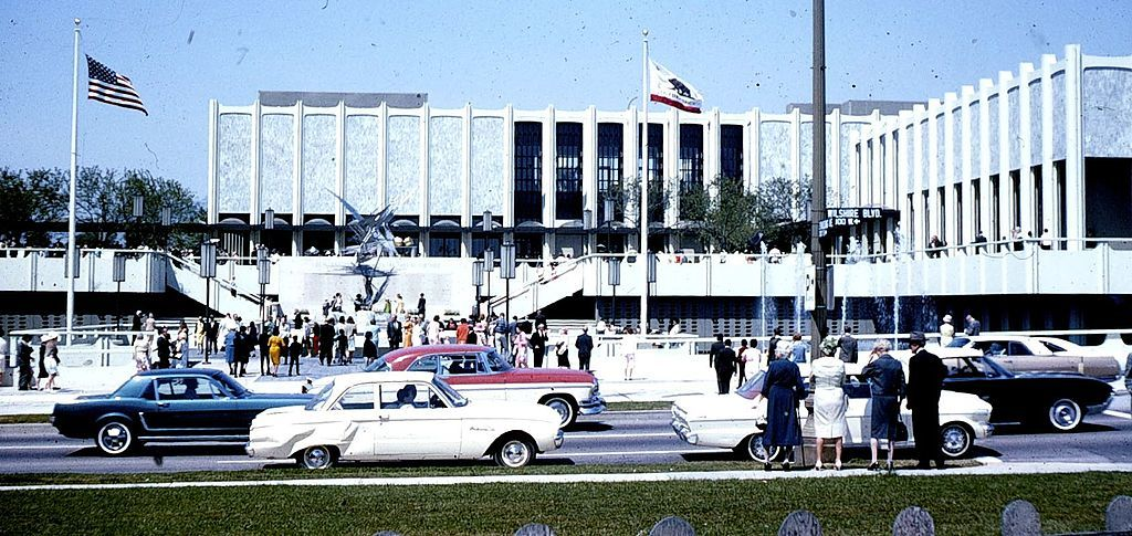 The Los Angeles County Museum of Art on Wilshire Boulevard in 1965. (Photo: George Garrigues; Image via Wikipedia)