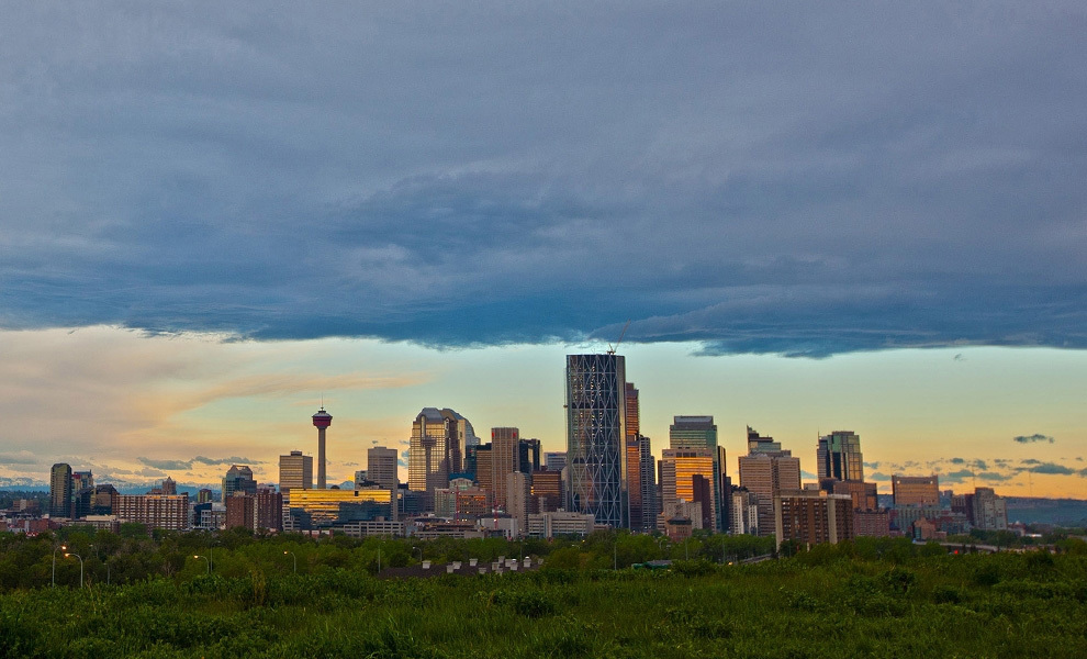 The Calgary skyline (Image via calgarynewcentrallibrary.ca)