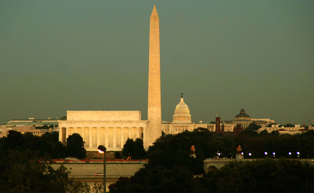 The now-several-inches-shorter Washington Monument still makes its mark on the DC skyline. Photo: Jeff Costlow/Wikipedia