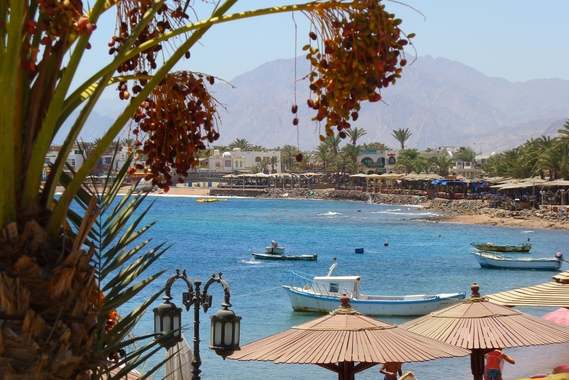The Sinai coast has long been a popular tourist destination, but the Egyptian revolution, terrorism, and poor governmental policies have left a string of abandoned resorts. Image via wikimedia.org