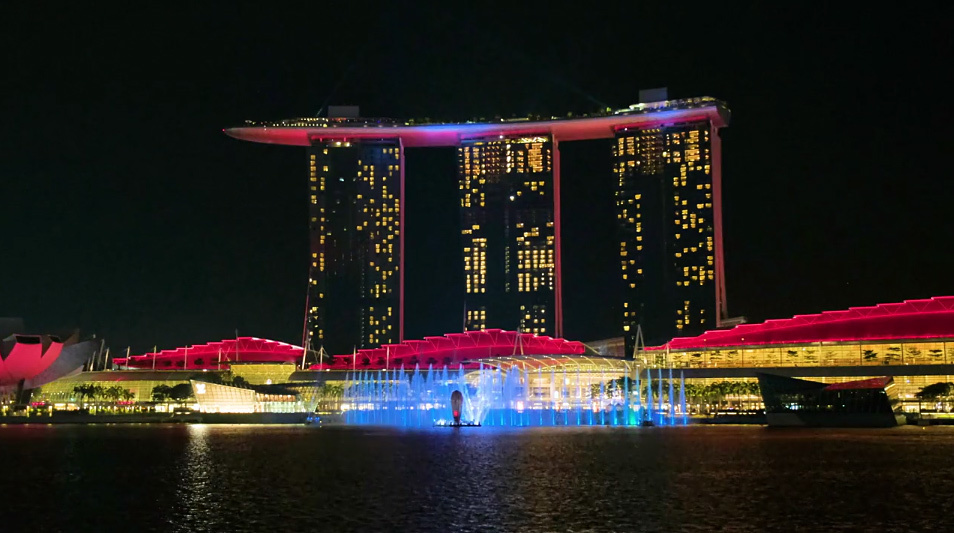 Still from the Spectra light and water show coming to Marina Bay Sands this June. Video via screenimag on Vimeo.