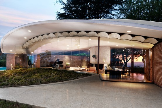 Silvertop, a Los Angeles home by influential architect John Lautner, is slated to go on the market for $7.5 million. The home has been the setting for music videos, TV commercials and scenes from the '80s movie 'Less Than Zero.' (The Wall Street Journal; Photo: Cameron Carothers)