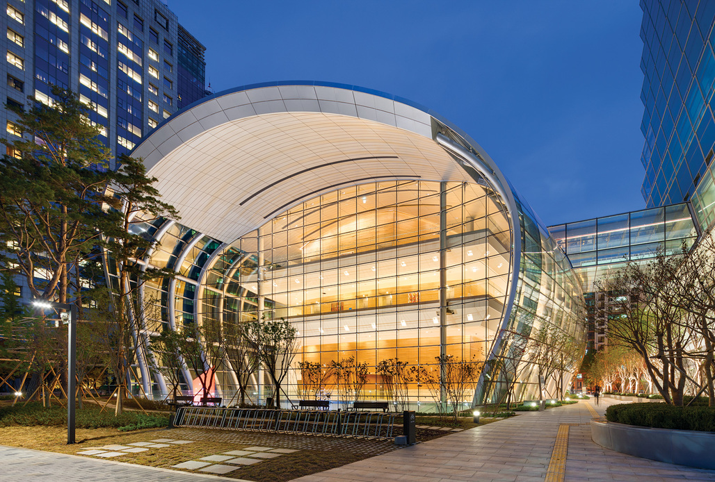 Podium exterior - new Federation of Korean Industries HQ. Image courtesy of AS+GG.