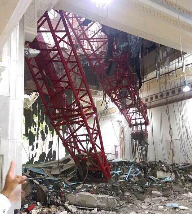The death toll is rapidly rising after a giant crane crashed on the Grand Mosque on Friday. (Image via theguardian.com)
