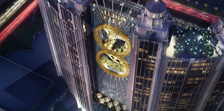 "Macau's Studio City Resort will have a ""figure 8""-shaped ferris wheel between the hotel's two central towers. Image Credit: Studio City Macau, via gizmag.com"