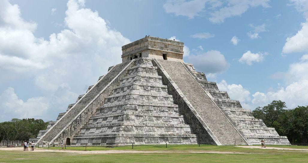 """Triple your pyramid: The multi-structured Kukulkan, or """"El Castilo,"""" in Mexico's Chichen Itza. Image: Wikipedia"""