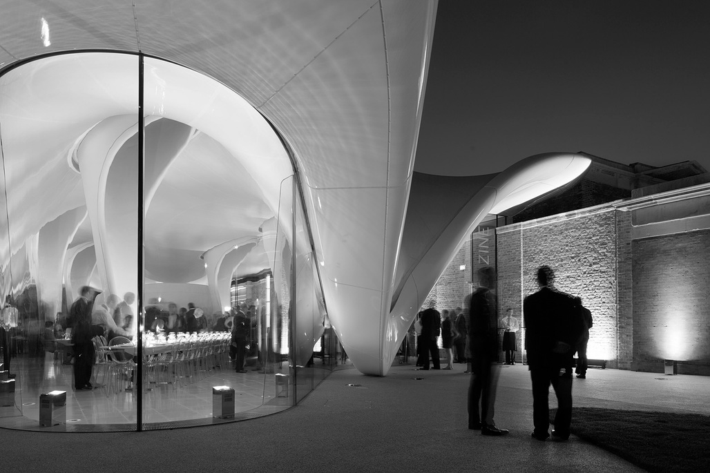 The Serpentine Sackler Gallery with its curvy, Zaha Hadid-designed extension (completed in 2013). Photo: Luke Hayes