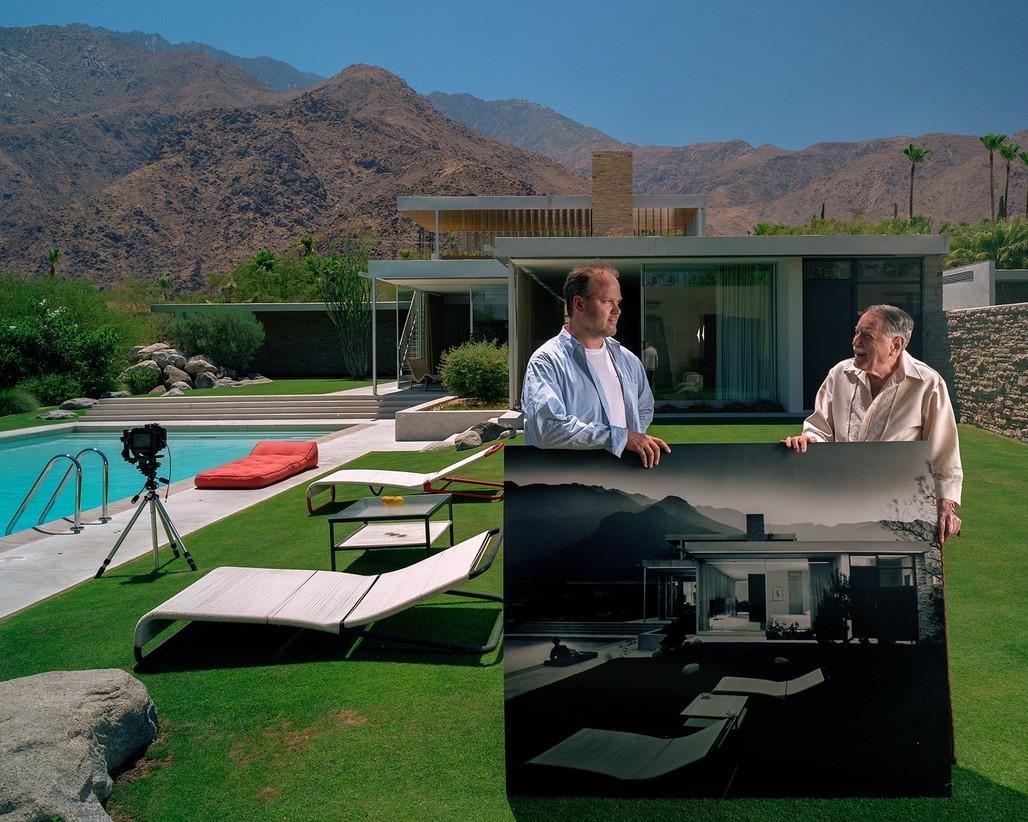 Julius Shulman and Todd Eberle, Kaufmann House, Palm Springs, CA, July 2003. Photo ©2017 Todd Eberle.