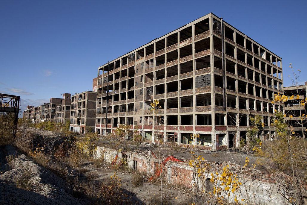 Detroit's largest vacant industrial site: the Packard Automotive Plant comprises 47 buildings spread across 40 acres. (Photo: Albert Duce/Wikipedia)