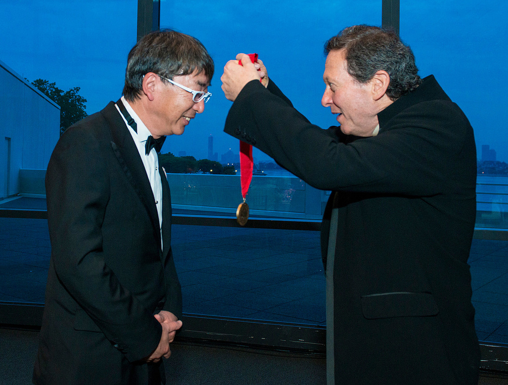 Toyo Ito receives the 2013 Pritzker Prize. Image: Rick Friedman.