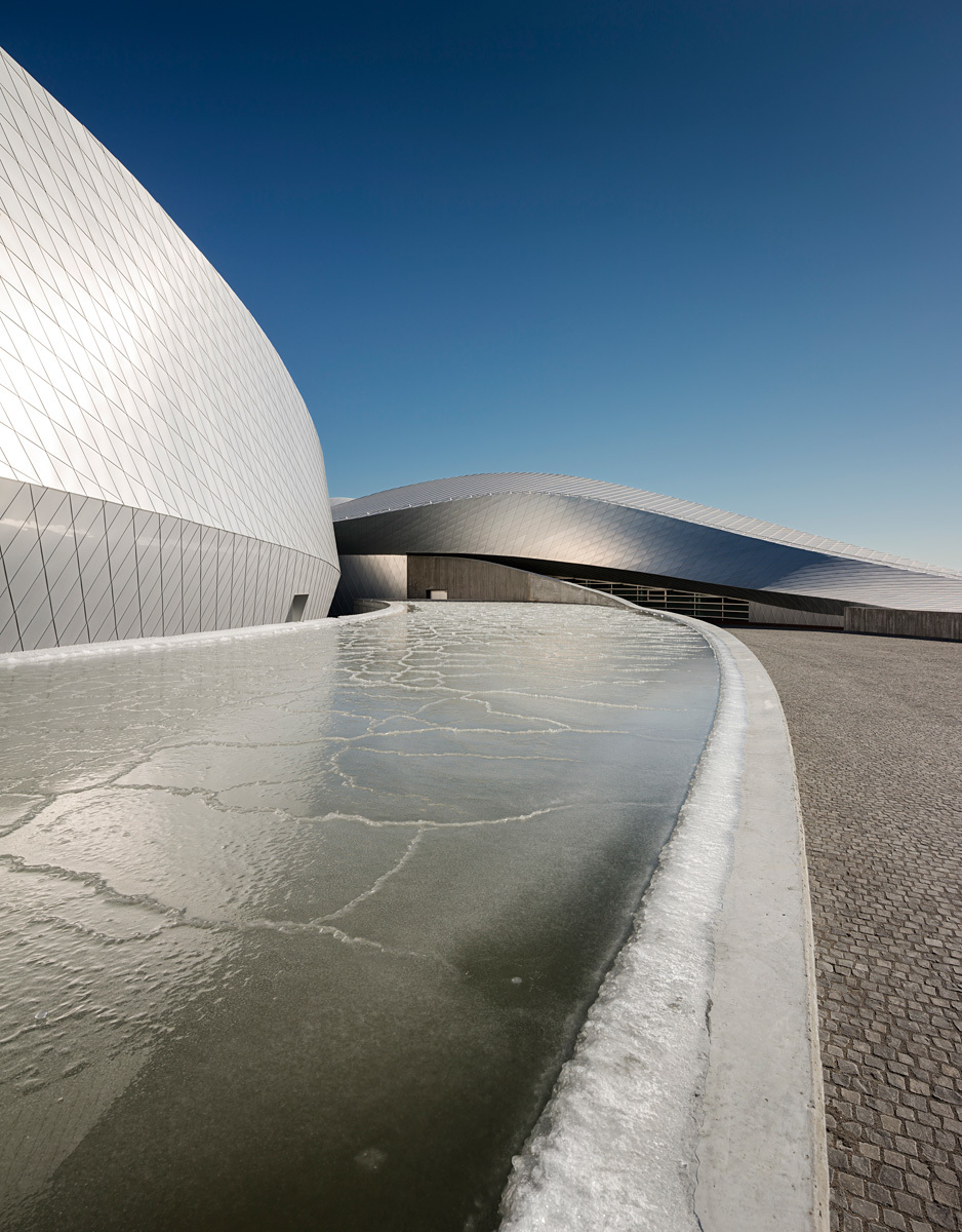 Opening to the public this week: The Blue Planet aquarium in Denmark, designed by 3XN (Photo: Adam Mørk)