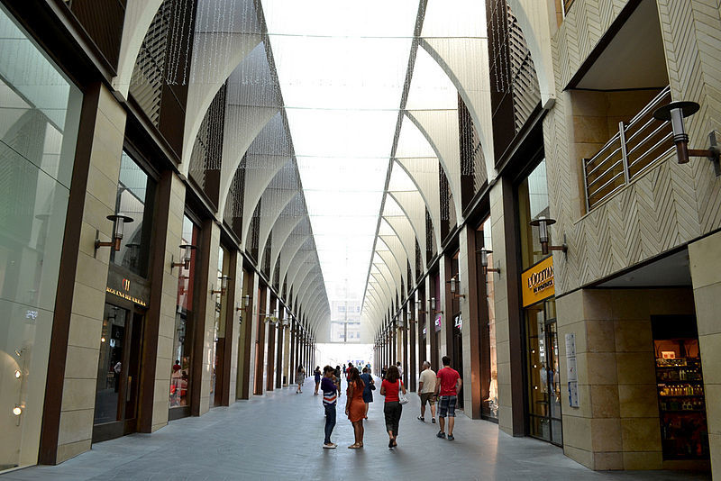 Inside the deserted Beirut Souks shopping mall, designed by Rafael Moneo with Kevin Dash. Photo: A.K.Khalifeh/Wikipedia