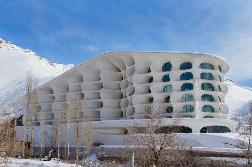 Iranian ski resort by RYRA Studio. Image: Twitter