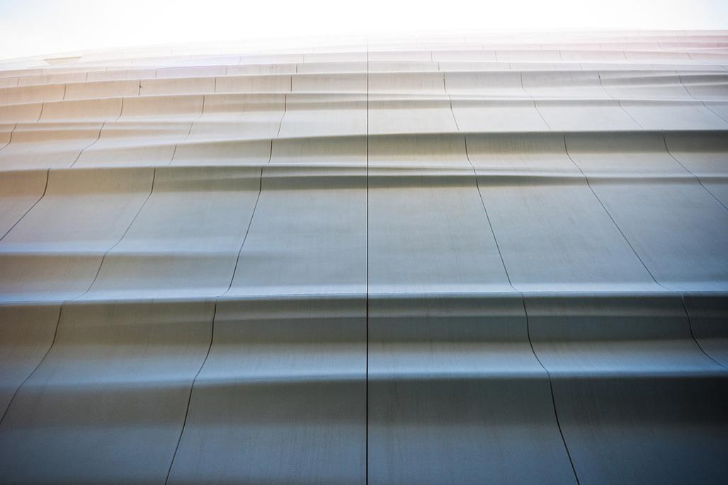 Facade detail of the Snøhetta-designed SFMOMA expansion. (Photo: Jon McNeal, © Snøhetta)