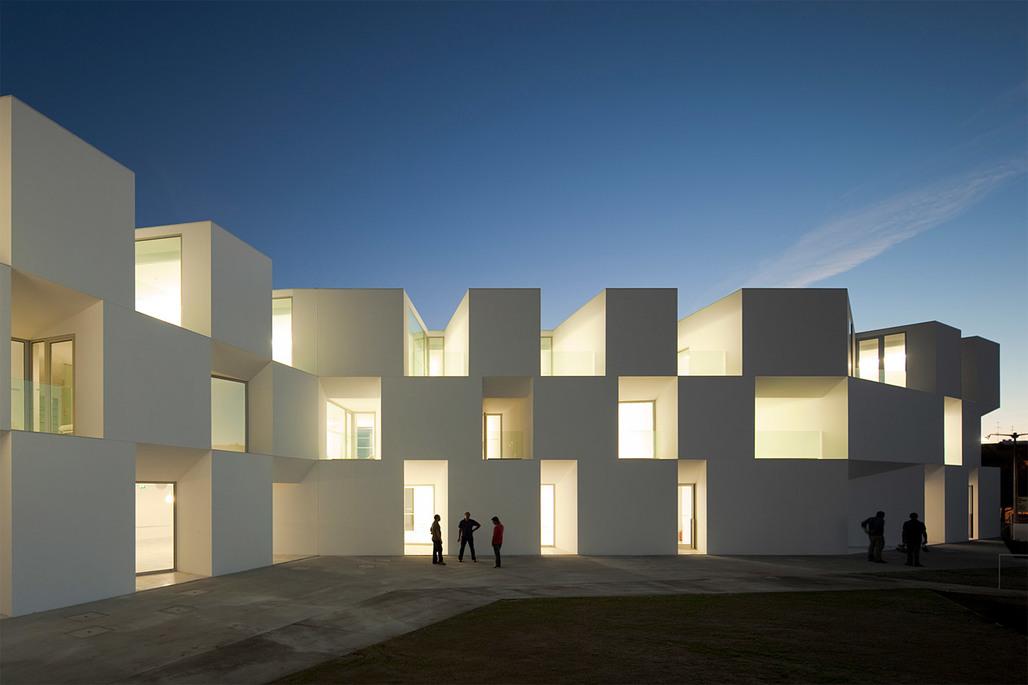 House for Elderly People, Alcácer do Sal, Portugal; Aires Mateus Arquitectos (Photo: FG+SG)