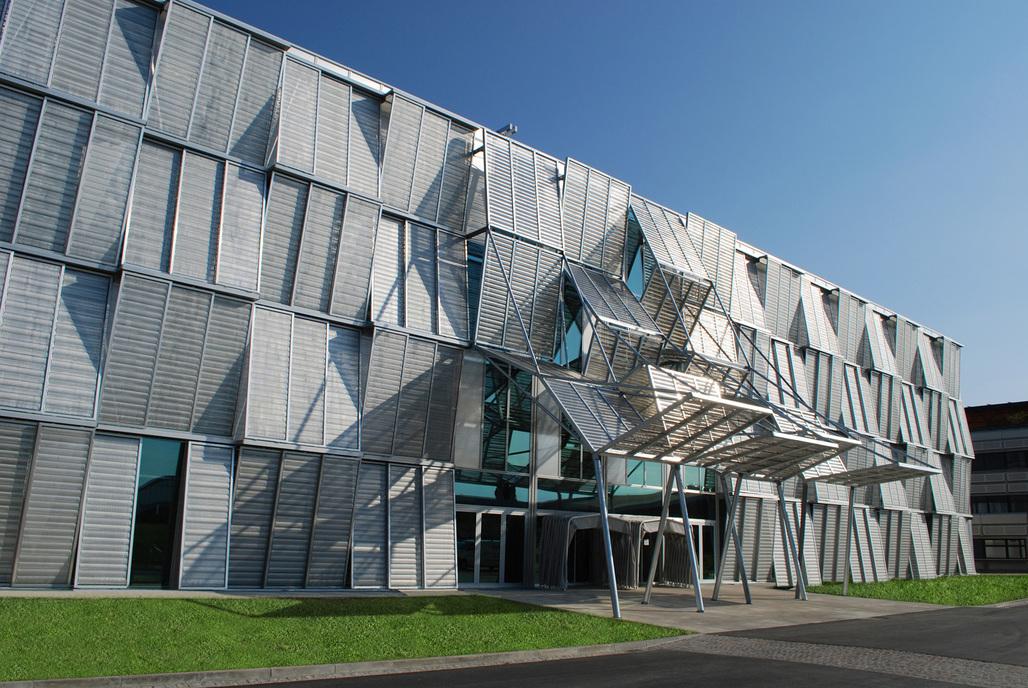 Ecole Polytechnique Federale de Lausanne University © GKD USA, Inc.