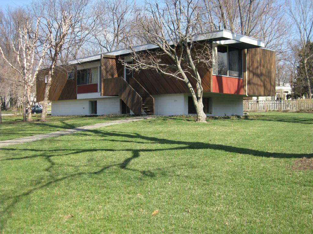 Snower Residence, pre-renovation (Nate Hofer/flickr)