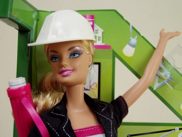 At a senior level, Architect Barbie makes approximately £19,500 less of a premium than Architect Ken. Image via sanfrancisco.urbdezine.com.