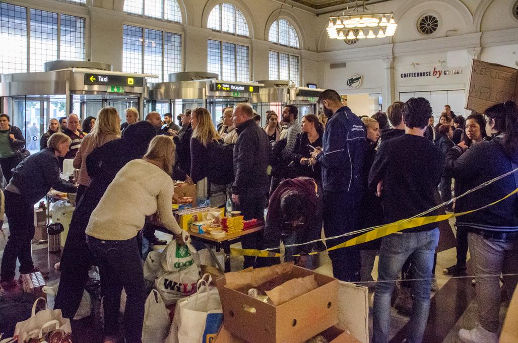 Syrian refugees entering Sweden. Image via wikimedia.org