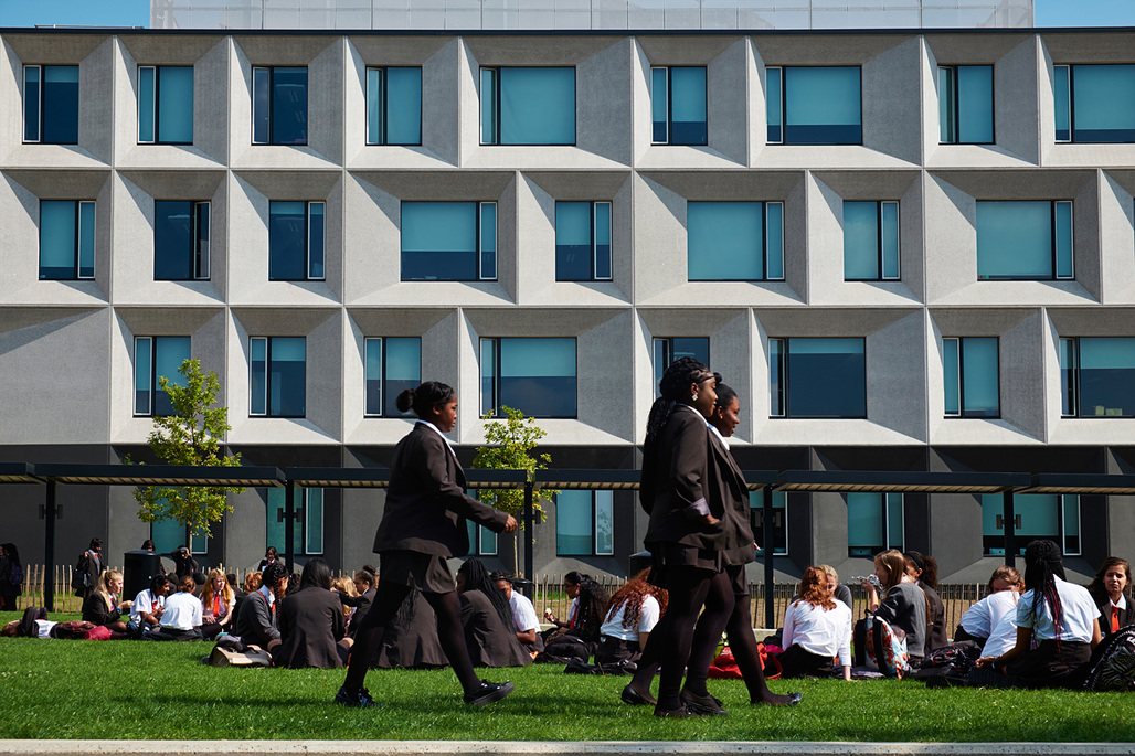 The Burntwood School in Wandsworth, London by Allford Hall Monaghan Morris. Photo © Timothy Soar.