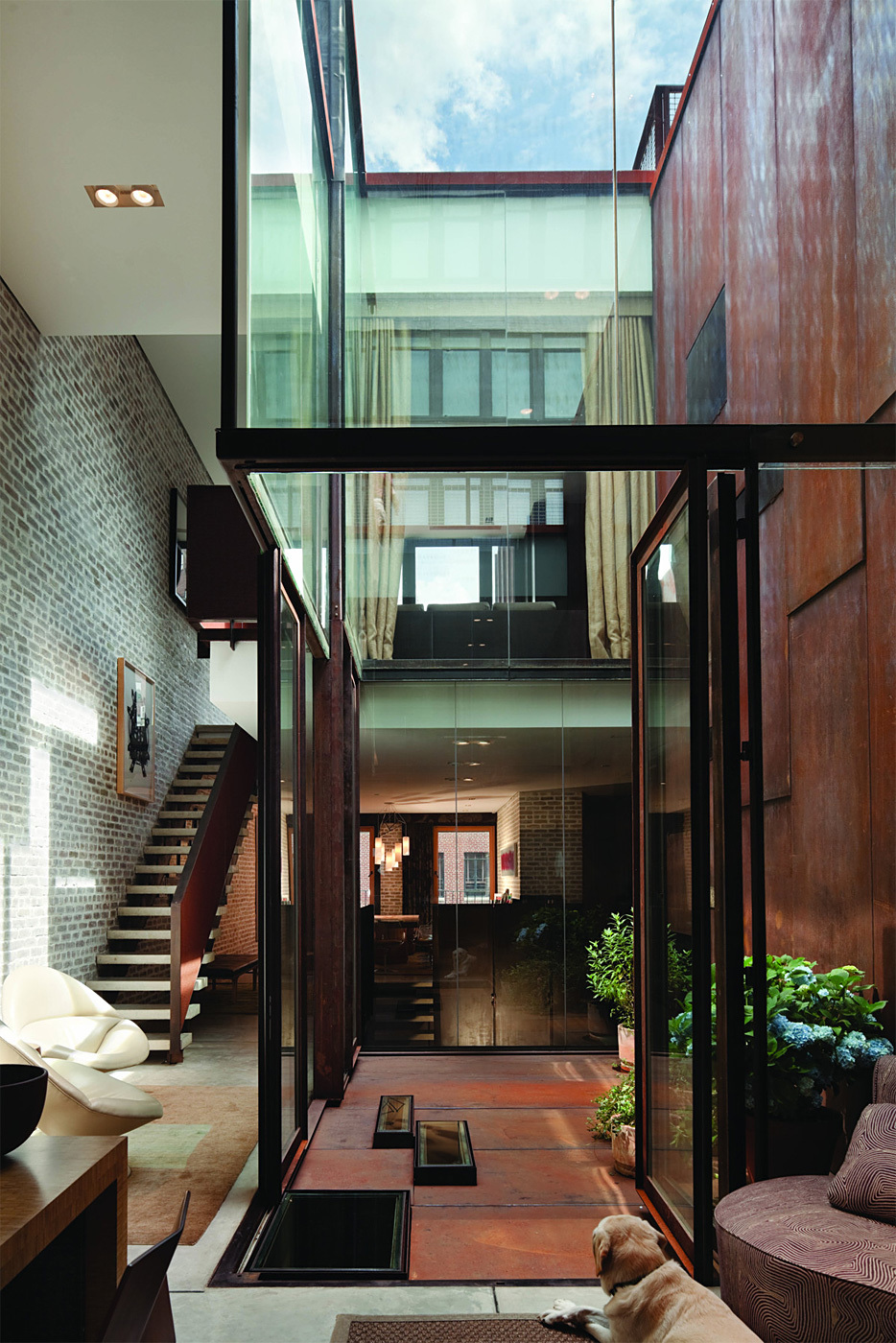 Inverted Warehouse / Townhouse in New York, NY by Dean/Wolf Architects