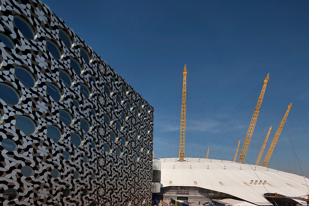 The new Ravensbourne building in London by Foreign Office Architects (Photo: Morley von Sternburg)