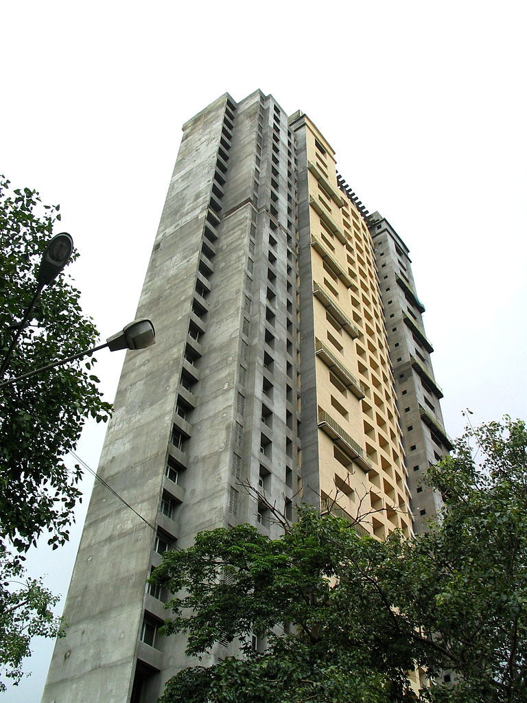 Photo of the unfinished Adarsh Housing Society, the building at the center of India's massive corruption scandal. (Photo: Arghya Mukherjee/Wikipedia)