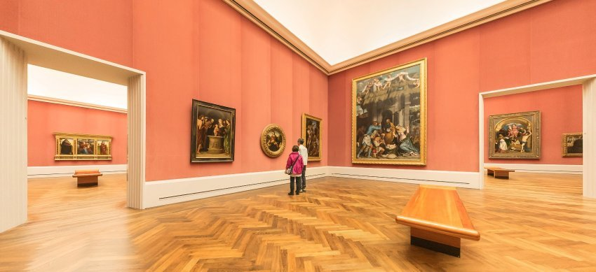 """""""Sometimes it feels as if Berlin's museum curators are making a special effort to keep visitors away,"""" bemoans SPIEGEL author Ulrike Knöfel in her recent article. Seen in this picture are empty halls in Berlin's prestigious Gemäldegalerie. (Photo: JÜRGEN SCHRADER/SPIEGEL)"""