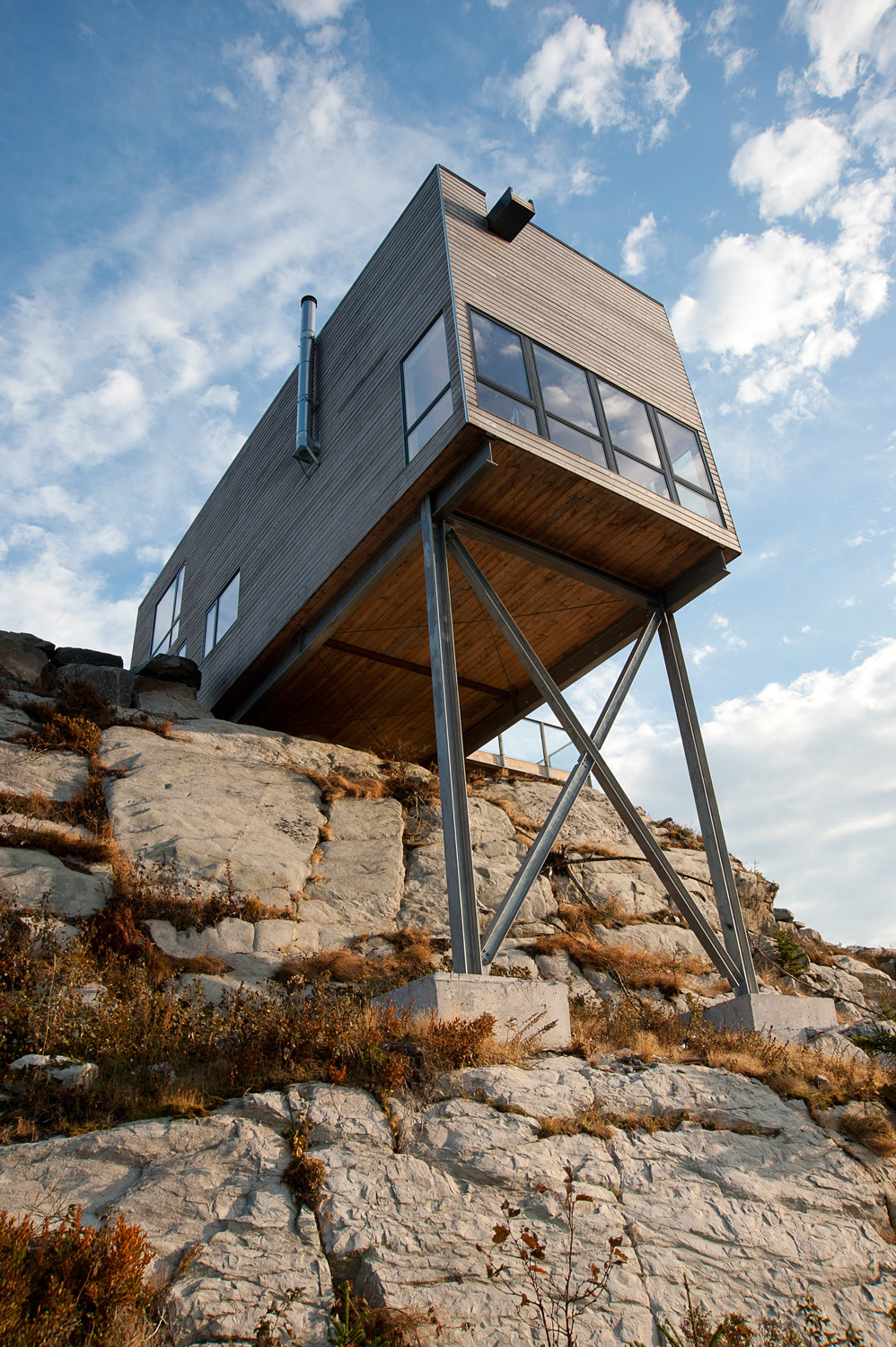 Best Residential Architecture: MacKay-Lyons Sweetapple Architects: Cliff House, Nova Scotia, Canada