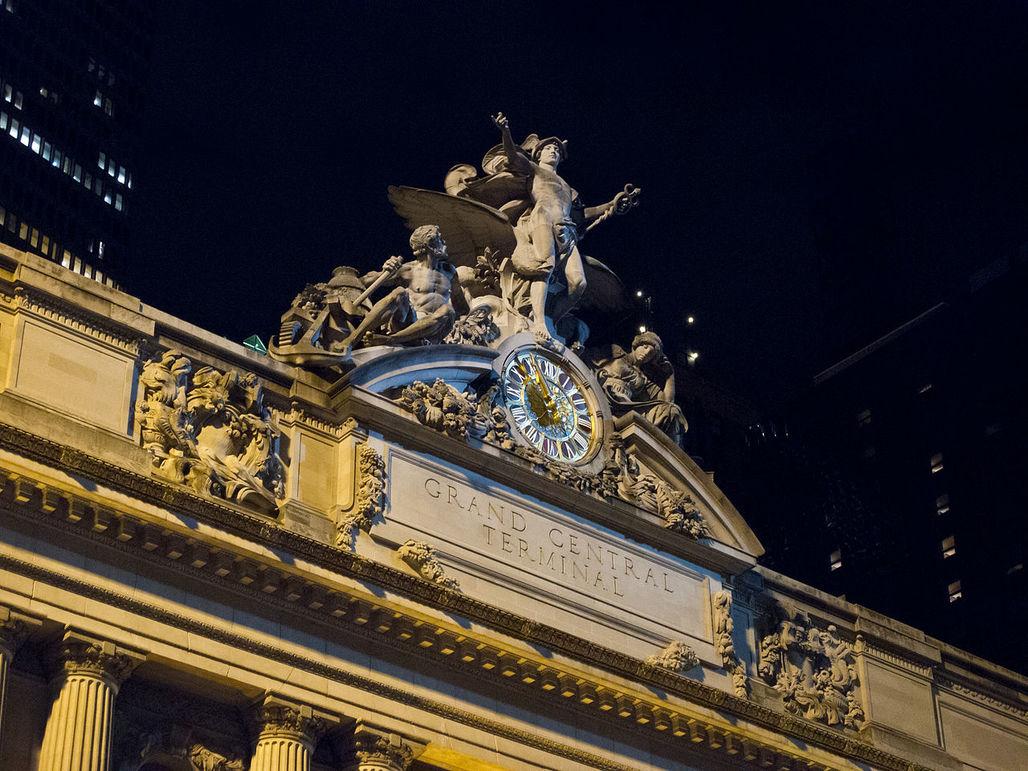 Bankruptcy o'clock: clock at Grand Central Terminal, designed by WASA's predecessors. Image credit: Carlos Delgado; CC-BY-SA, via wikimedia.org.