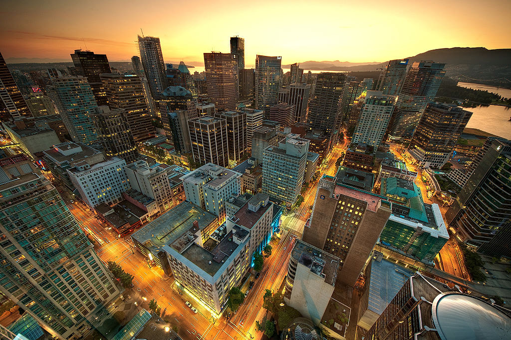 View of downtown Vancouver from the Lookout Tower at Harbour Centre (Photo: Wikimedia, MagnusL3D)