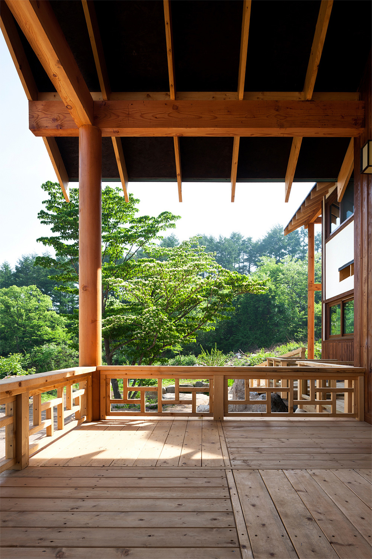 House in Geochang, South Korea by Hyungnam Lim, Eunjoo Roh + studio_GAON; Photo: Youngchea Park