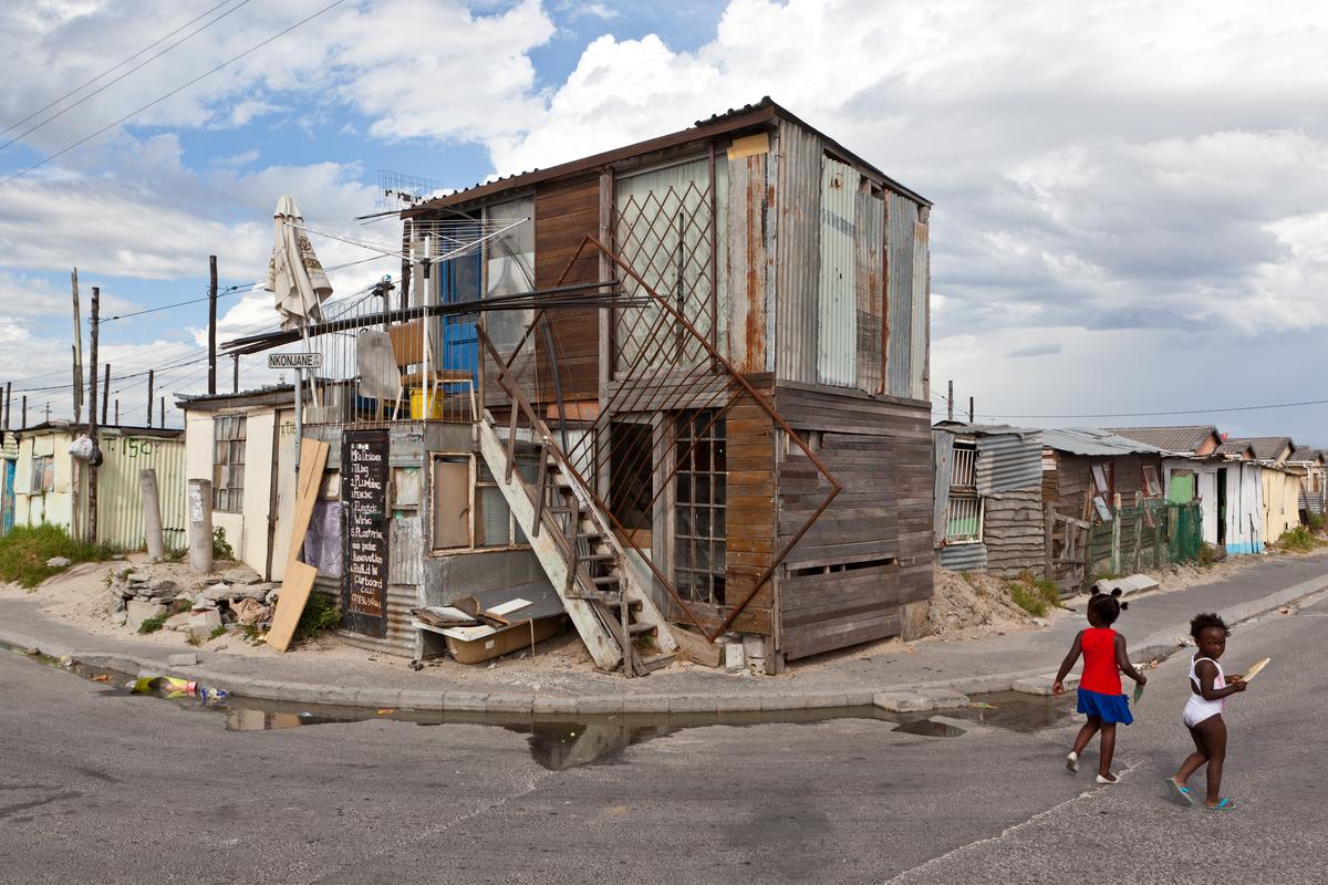 Informal vertical urbanism in Cape Town, South Africa. Credit U-TT / Daniel Schwartz.