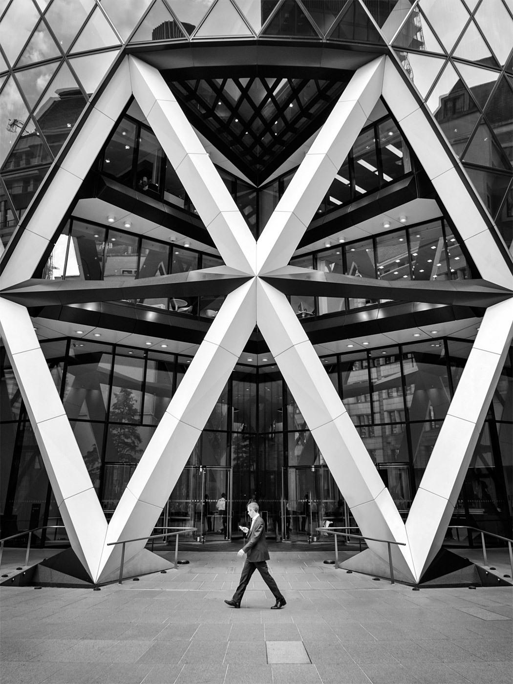 30 St Mary Axe, London. Architect: Norman Foster. © Edward Neumann / EMCN