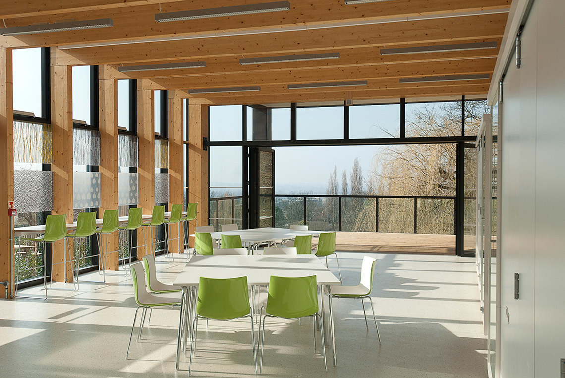 Timber glulam structure of the seminar/teaching space and terrace looking north (Photo: Michael Harding)