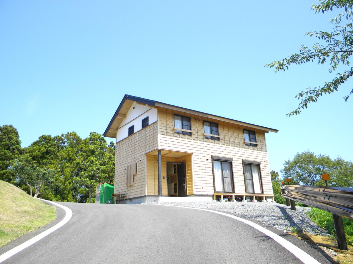 Shirahama Housing1 - Rias no Mori + Kogakuin University