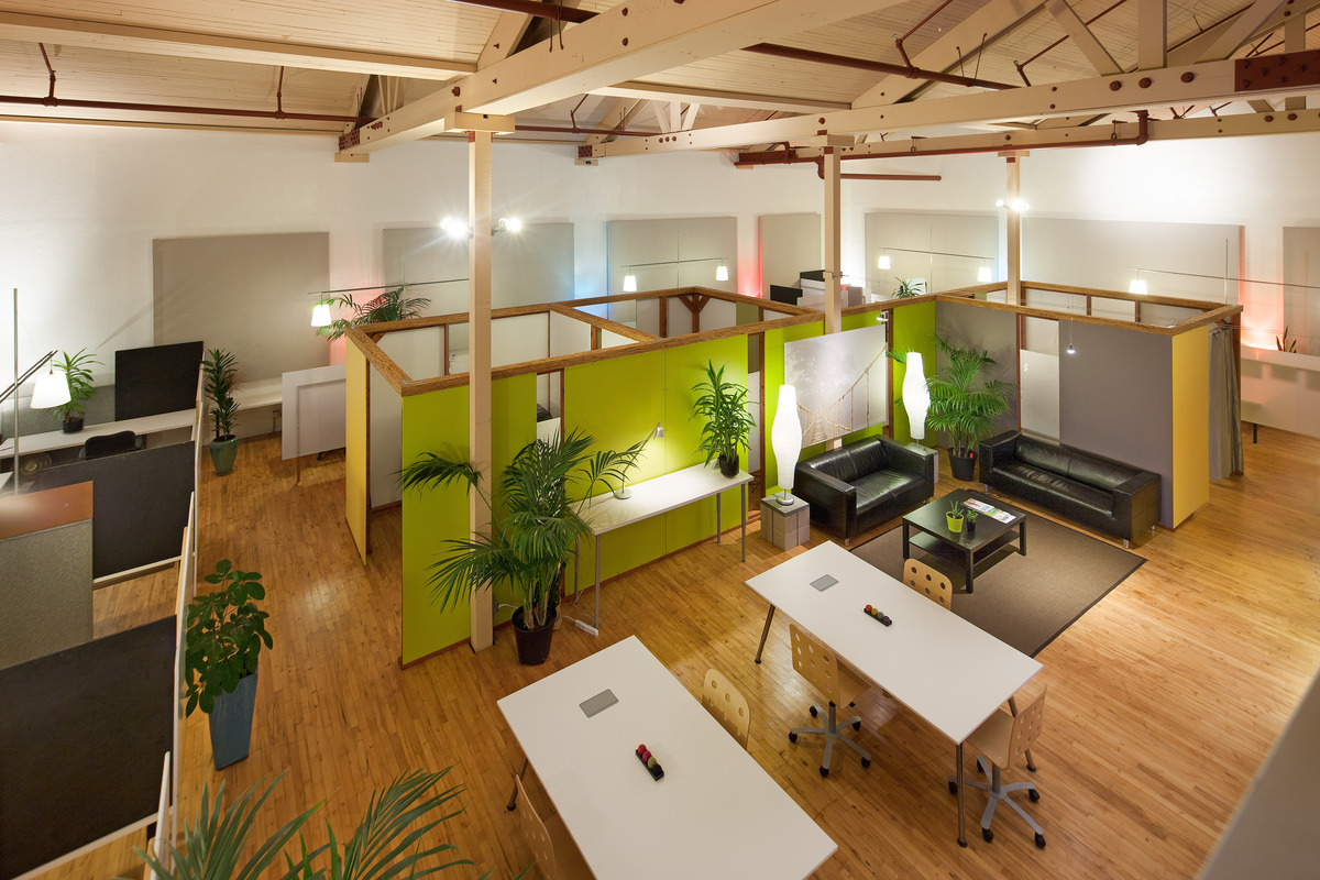 Rear Offices + Hot Desk Area