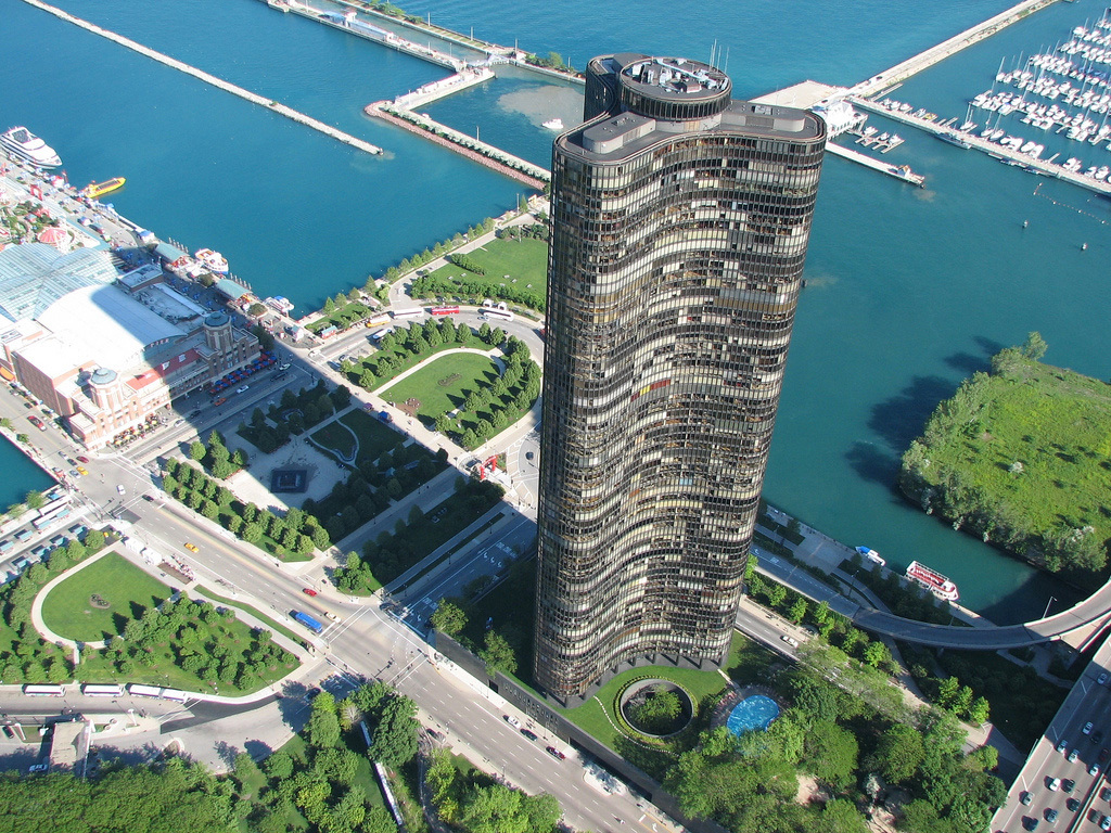 Helicopter photo of Lake Point Tower, surrounding parks and Navy Pier. Photo credit: Bart Shore, via Lake Point Tower flickr