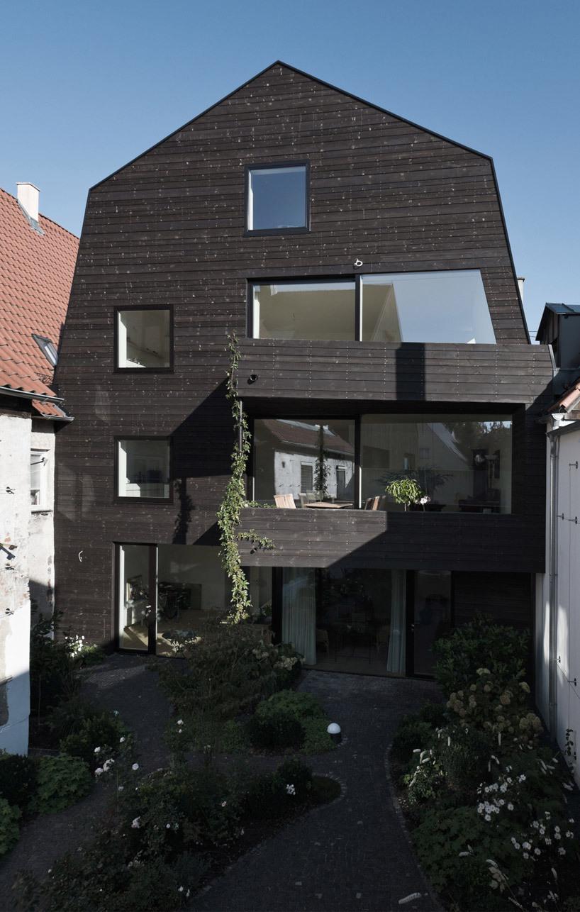 House KE12 in Memmingen, Germany backyard, (Photo- Rainer Retzlaff)