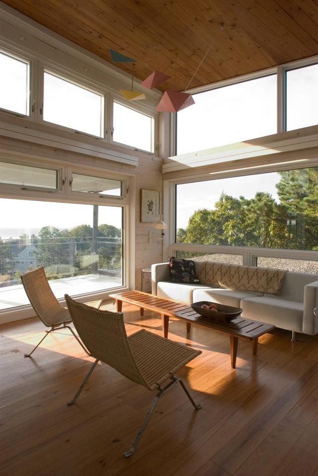 CONNECTICUT SHORE HOUSE – Living room