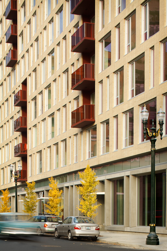 Color adds interesting patterning and reflects the creative nature of the Pearl District.