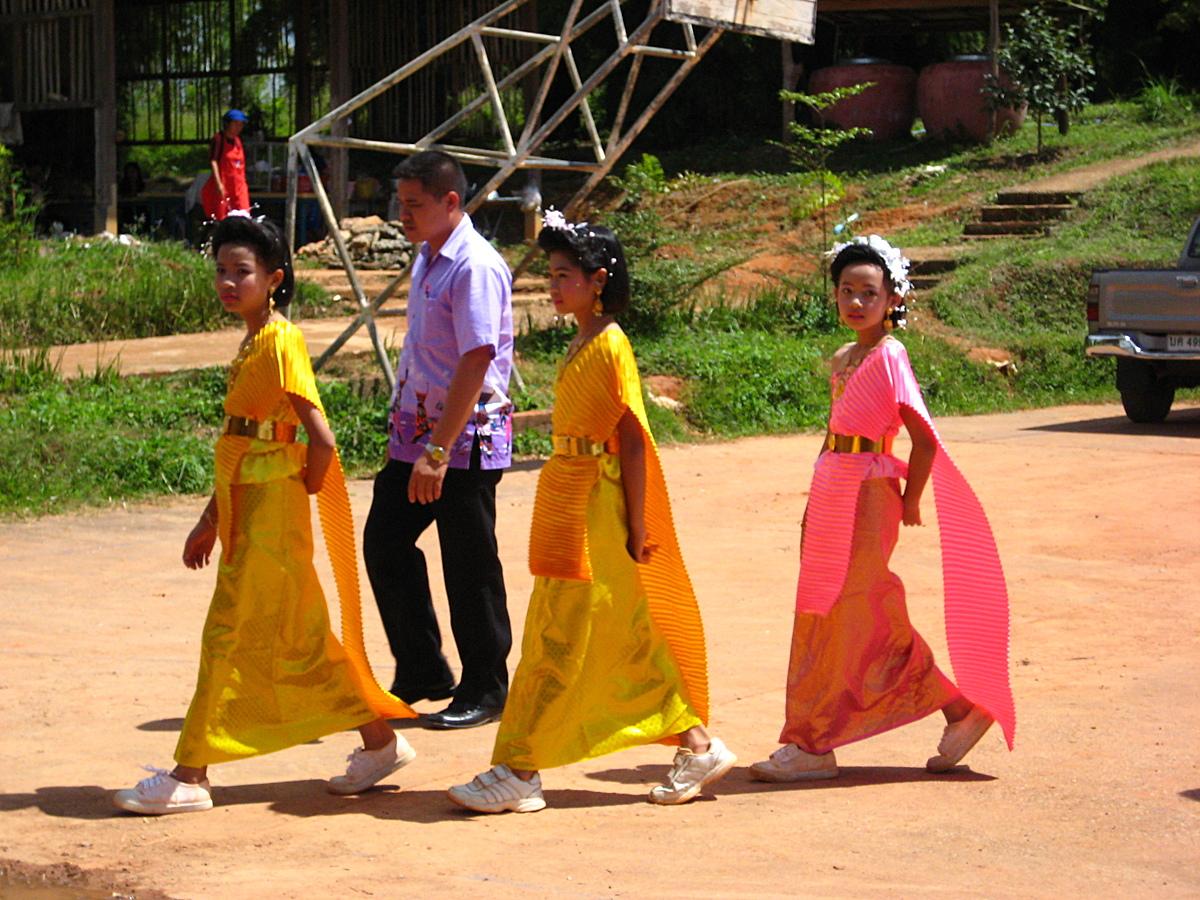 Ban Nam Yen School - Dancers