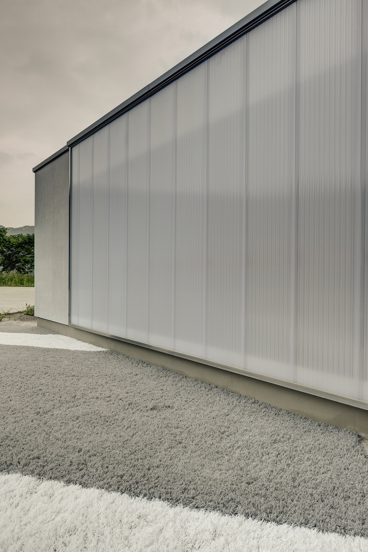 Orandajima House exterior view of polycarbonate panel