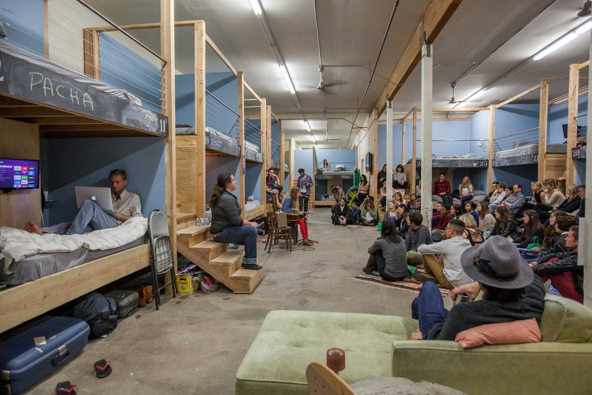 A music performance at PodShare's downtown Los Angeles location. Photo courtesy of PodShare.