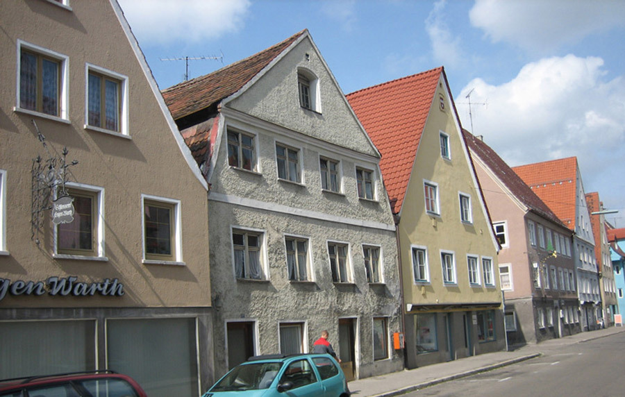 Existing building in Memmingen's Kempter Street (Photo: Rainer Retzlaff)