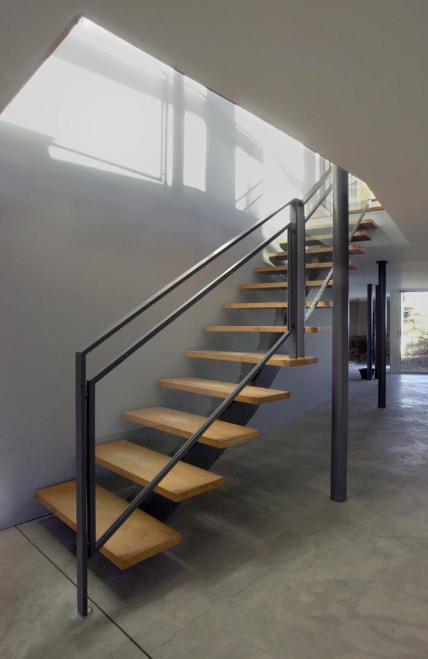 CONNECTICUT SHORE HOUSE – Studio staircase
