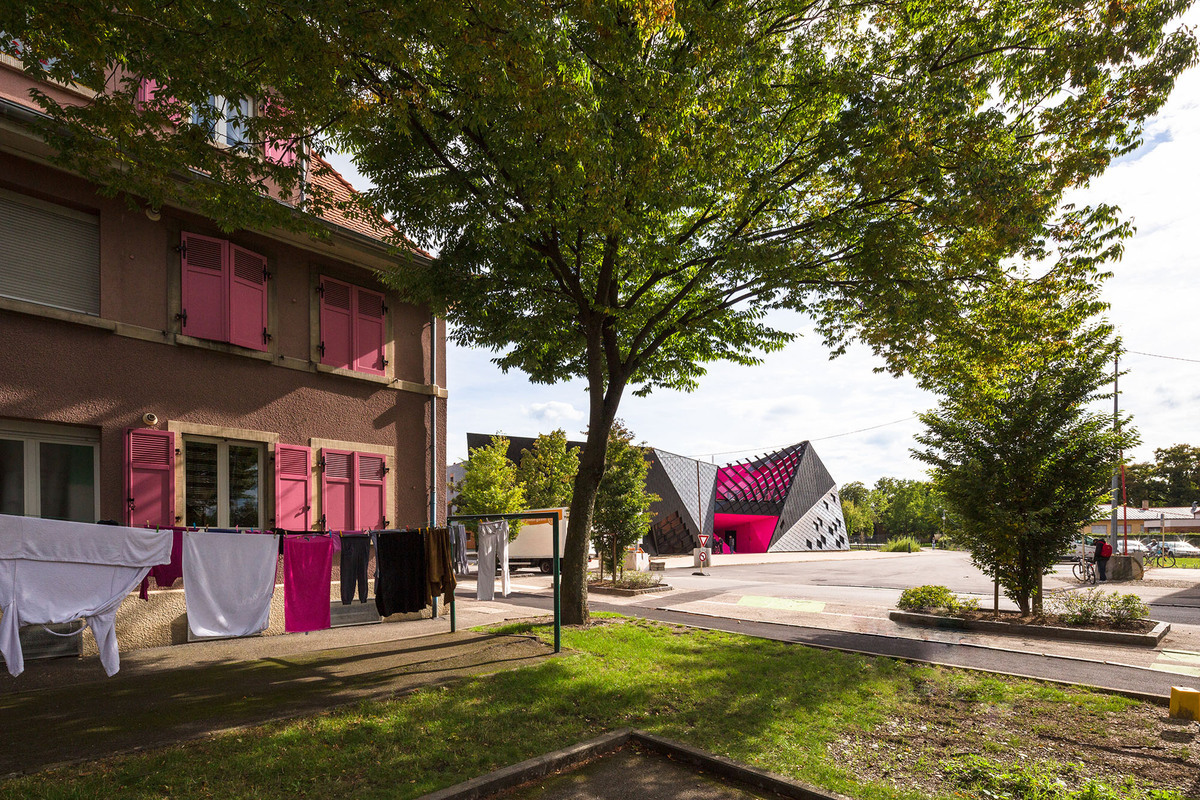 Socio-Cultural Center in Mulhouse, France by Paul Le Quernec (exterior)