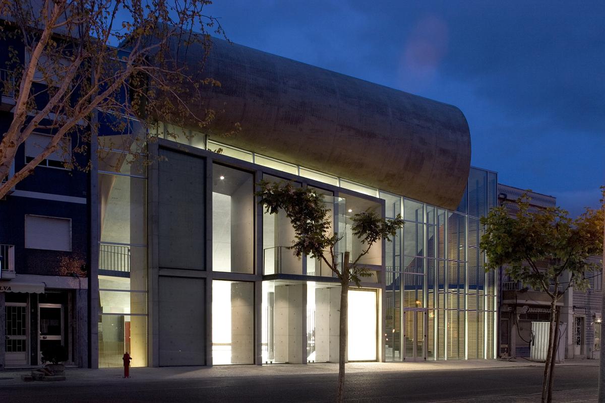 Cultural Centre in Cartaxo photography by FG + SG Fernando Guerra e Sérgio Guerra