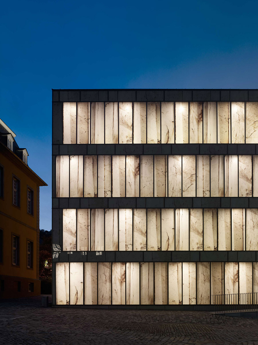 Detail of facade with photographic work by Stefan Müller (Photo: Stefan Müller)