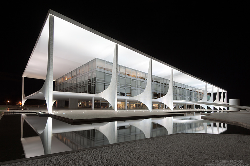 Palacio do Planalto, Brasilia. Architect: Oscar Niemeyer © Andrew Prokos